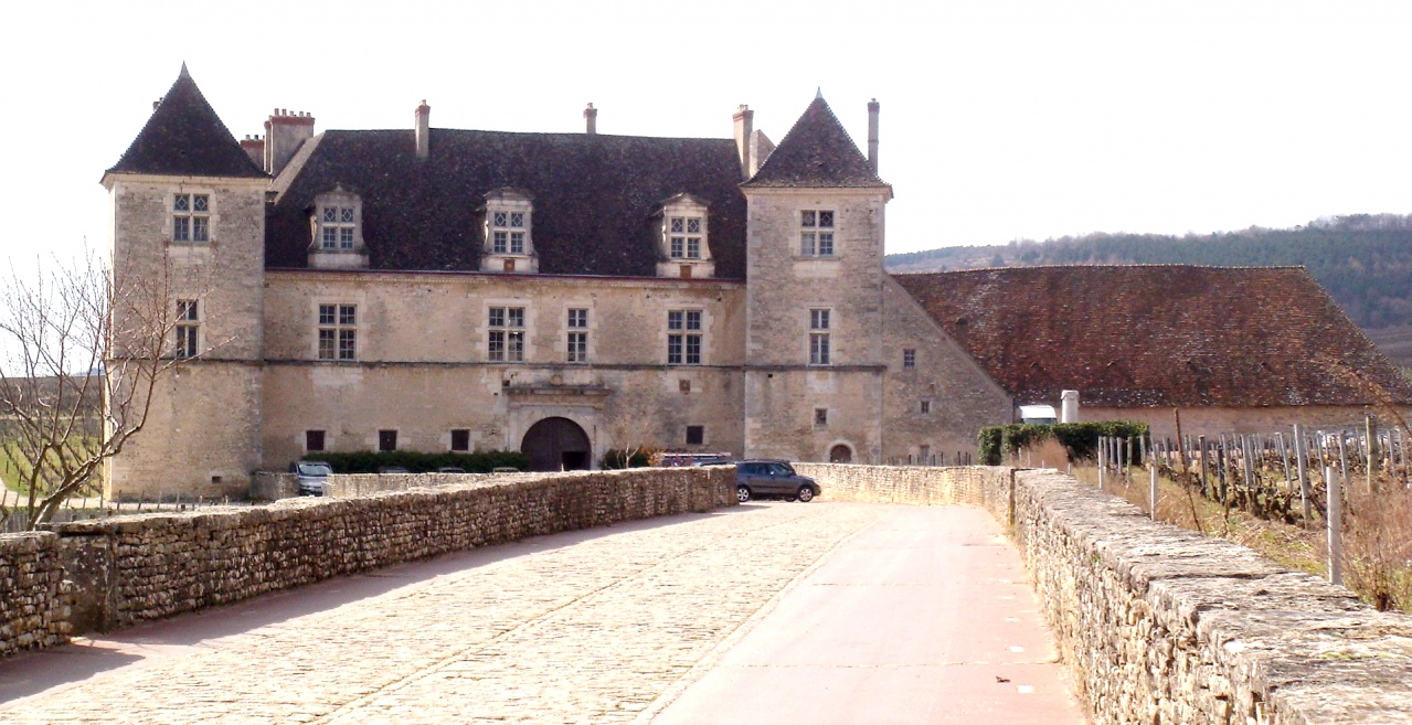 Clos-des-Lambrays façade GR