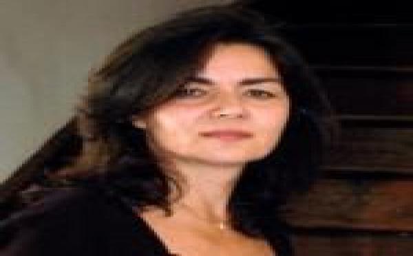 Christine Vernay, vigneronne en Condrieu, distinguée par un guide influent
